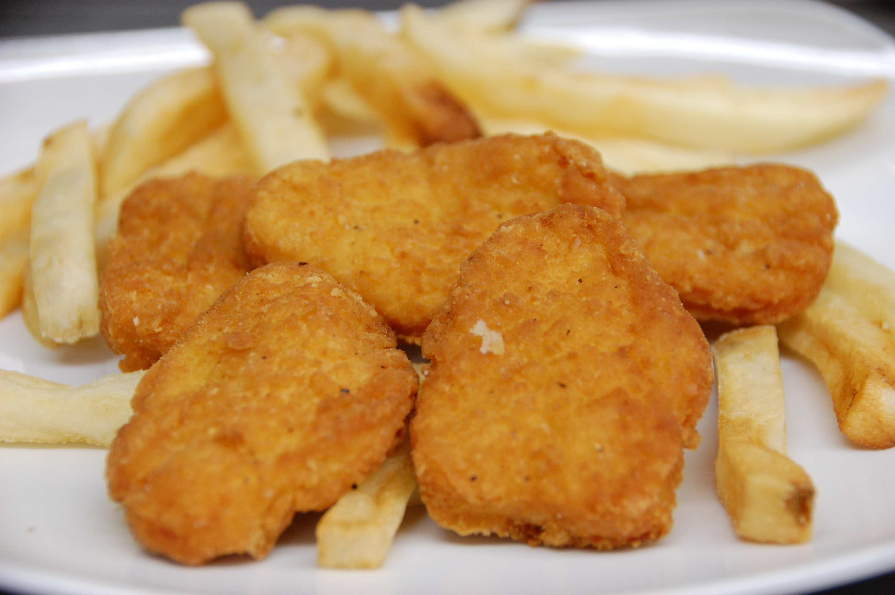Kid's Nuggets & Fries